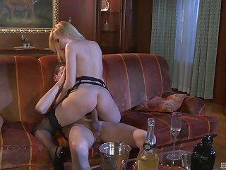 Slutty Regina Moon and Dona Bell share cock in a hardcore threesome