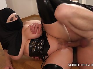 Sex With Busty Muslim Girl in Hijab And Sexy Lingerie