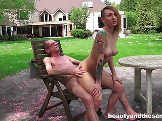 Wild outdoor fucking with tattooed girlfriend Christie Star