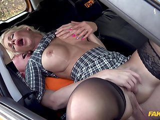 The way this mature fucks drives the cab driver crazy