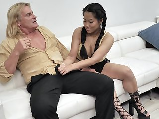 Alona Bloom and Katie Morgan give this guy the total treatment