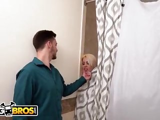 BANGBROS - Cuckold GIRLFRIEND Luna Starlet Takes Ginormous Ebony Boner While BEAU Is Home